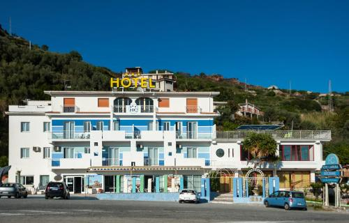 . Hotel La Carruba