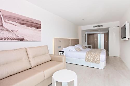 Castell 5, 07560 Cala Millor, Majorca, Spain.