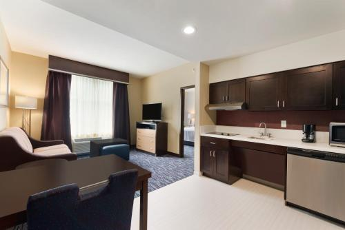 Photo - Homewood Suites Mobile