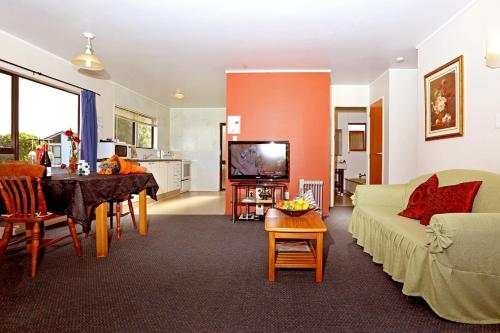 Фото отеля Waiuku Lodge Motel