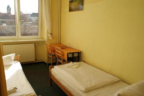 Happy go Lucky Hotel + Hostel photo 11