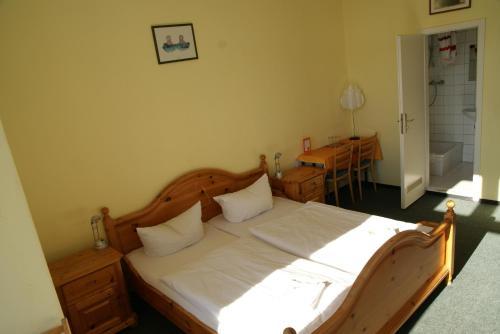 Happy go Lucky Hotel + Hostel photo 14