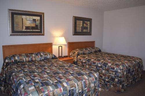 Guest House Inn & Suites