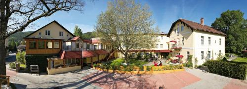 Фото отеля Hotel Payerbacherhof
