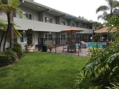 La Avenida Inn - Coronado, CA 92118
