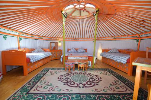 . Yourte Nomade-Lodge