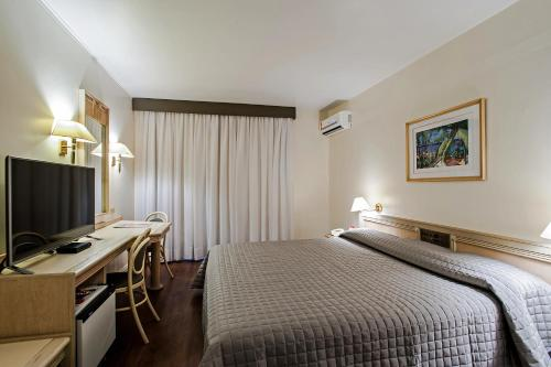 . Trevi Hotel e Business