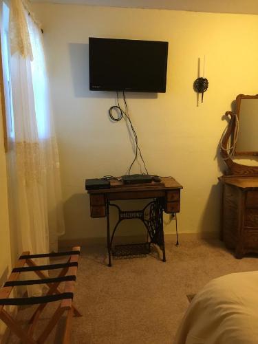 Indiana Jones Bed And Breakfast - Antonito, CO 81120