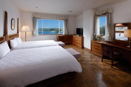 """Junior suite"" numurs ar skatu uz jūru (Junior Suite with Sea View)"