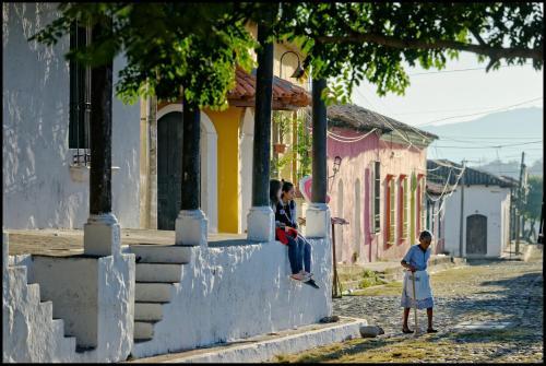 4a. Calle Poniente 2b next to Policia Nacional Civil, Suchitoto 0000, El Salvador.