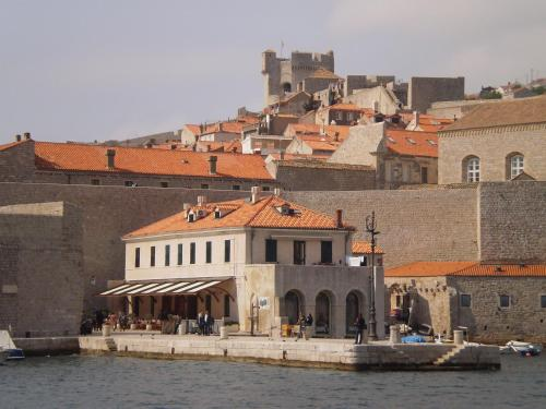 Dubrovnik 4 Seasons Private Accommodation, Pension in Dubrovnik