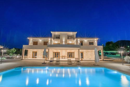 . Petra Luxury Apartments