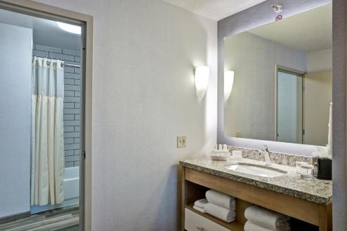 Homewood Suites by Hilton Chicago-Downtown - Chicago, IL IL 60611