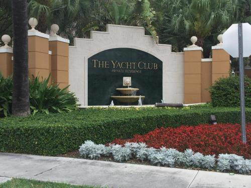 Three-Bedroom Apartment at The Yacht Club Aventura