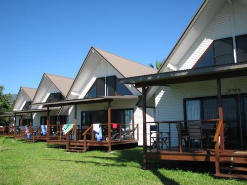 Фото отеля Cardwell Beachcomber Motel & Tourist Park