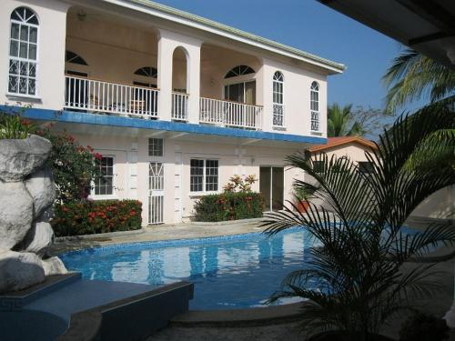 More about Villa San Juan