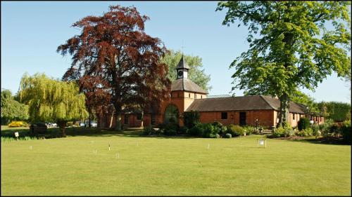 Main Rd, Worleston, Nantwich CW5 6DQ, England.