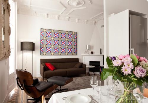 Mosaic Elegant Apartment