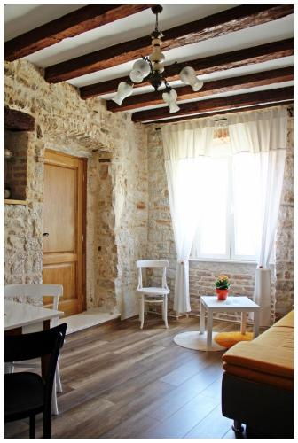 Guest House Tragurion, Pension in Trogir