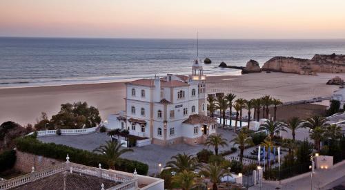 Av. Tomas Cabreira Praia da Rocha, Portimão, 8500-802, Algarve, Portugal.
