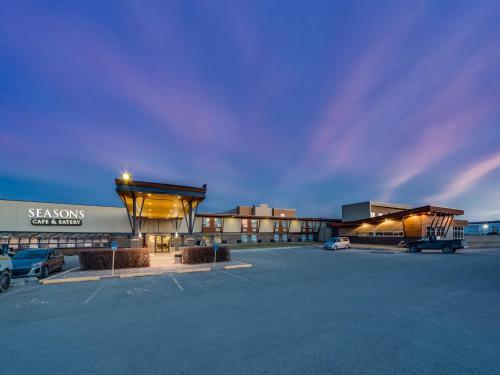 . Heritage Inn Hotel & Convention Centre - Pincher Creek