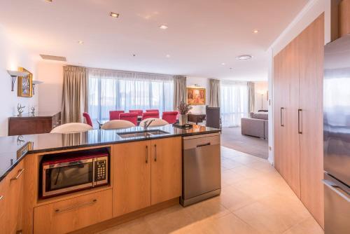 Fino Hotel & Suites - Photo 8 of 82