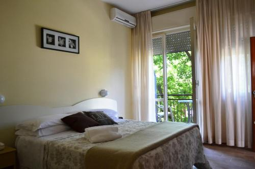 Bagno Mediterraneo Lido Di Savio : Hotel beverly lido di savio da 70u20ac volagratis