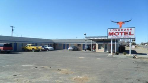 . Longhorn Motel Boise City