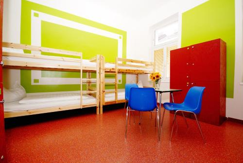 Krevet za 1 osobu u šestokrevetnoj spavaonici (Single Bed in 6-Bed Dormitory Room)