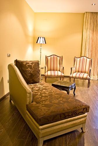 Special Gold Double Room Villa Nazules Hípica Spa 10