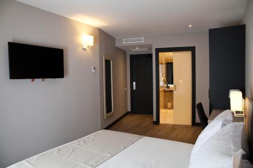 May Ramblas Hotel photo 5