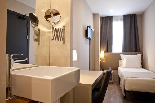 May Ramblas Hotel photo 19