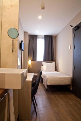 May Ramblas Hotel photo 20