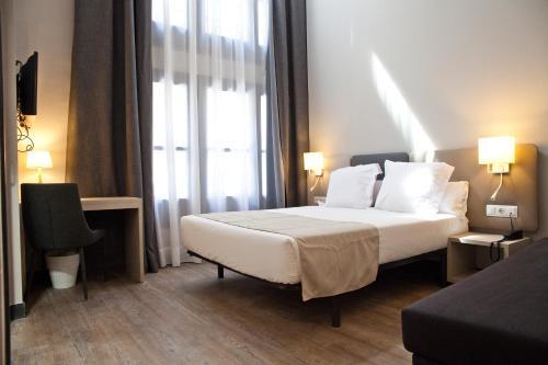 May Ramblas Hotel photo 24