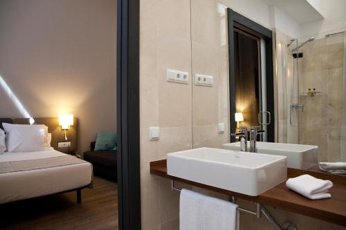 May Ramblas Hotel photo 25