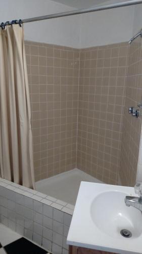 Essex House Motel - Littleton, CO 80120