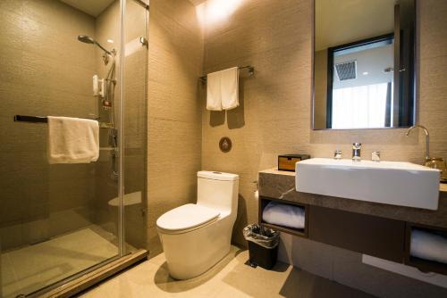 Home Inn Plus Shanghai Xintiandi Lujianbang Road Subway Station Двухместный номер Selected с 2 отдельными кроватями