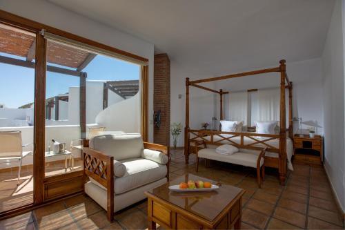 Suite con vistas al mar y bañera de hidromasaje Boutique Hotel El Tio Kiko 6