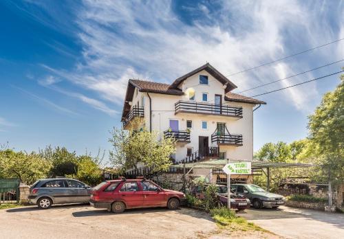 Studios Kaštel