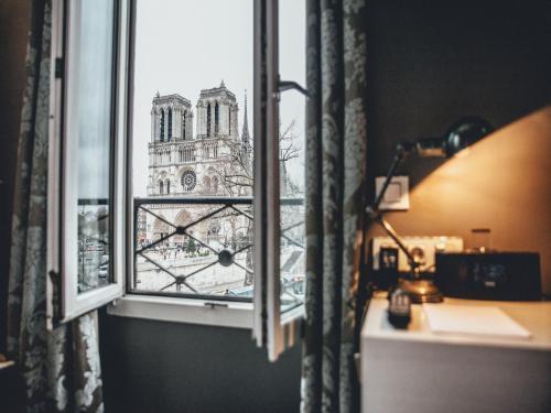 Hotel Le Notre Dame Saint Michel room photos