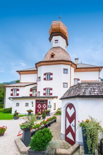 __{offers.Best_flights}__ Schloss Mitterhart