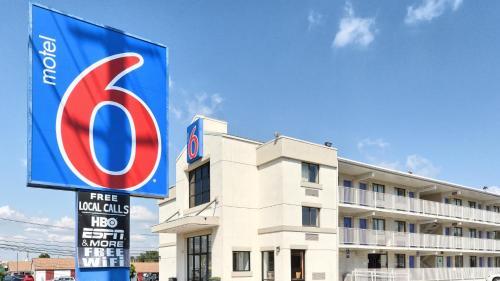 Motel 6-Maple Shade Township NJ - Philadelphia - Mt Laurel - Maple Shade, NJ NJ 08052