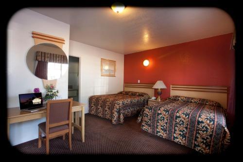 The Palace Inn - Oxnard, CA CA 93030