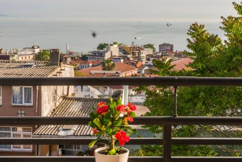 Istanbul Amedros Home