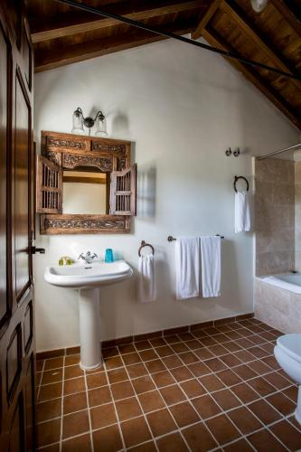 Family Suite (2 Adults + 2 Children) Hotel Cortijo del Marqués 18