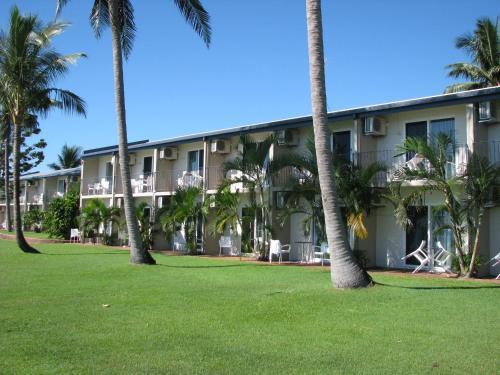 . Cardwell Beachcomber Motel & Tourist Park