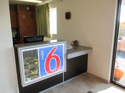 Motel 6 Drums - Sugarloaf, PA 18222