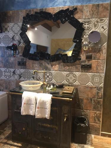 Double Room with Spa Bath - single occupancy Hotel el Lagar de Isilla 2
