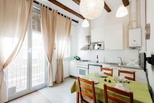 Apartments Gaudi Barcelona photo 92