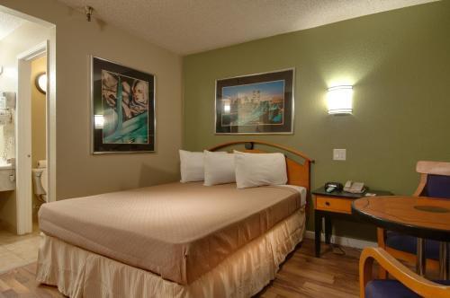 Vagabond Inn Bakersfield North - Bakersfield, CA CA 93308